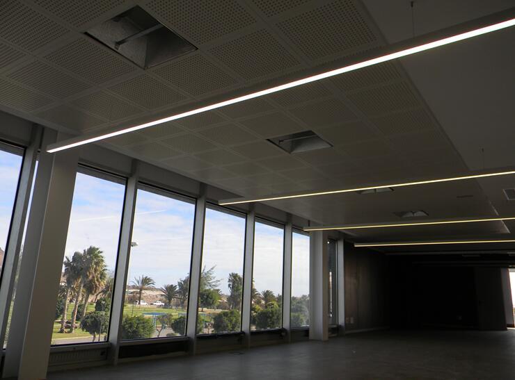 Maxblue led linear light working in SPAIN_Maxblue Lighting